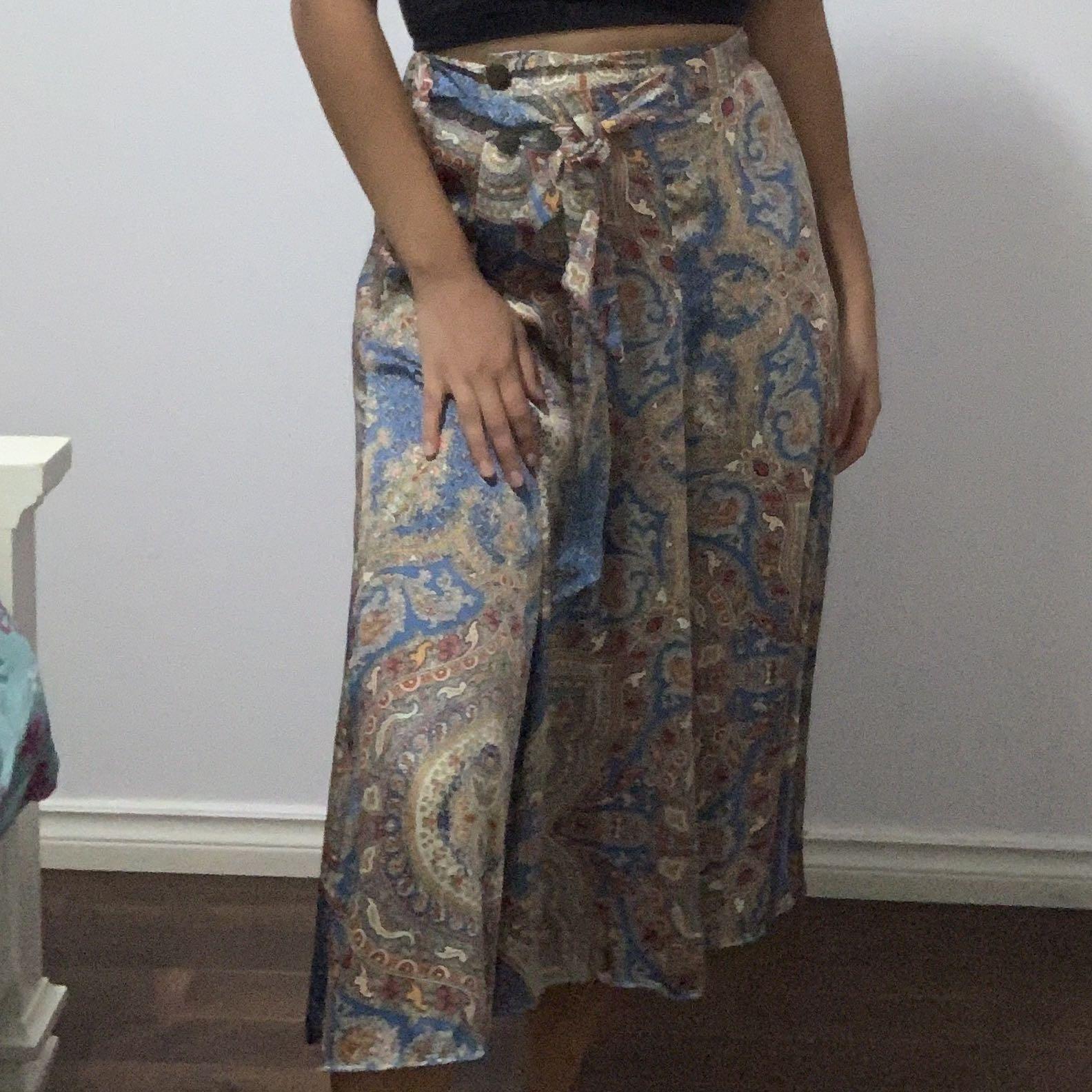 ZARA flowy satin skirt Size XS