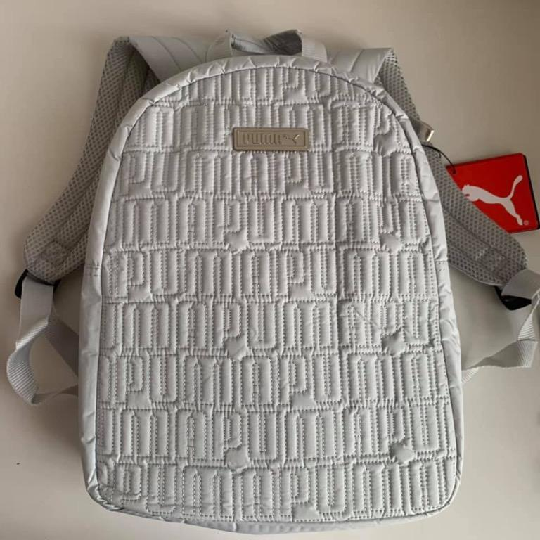 limpiar Revelar desnudo  💖 100% ORIGINAL Small and light, the PUMA® Alpha Mini Backpack 💖, Women's  Fashion, Bags & Wallets, Backpacks on Carousell