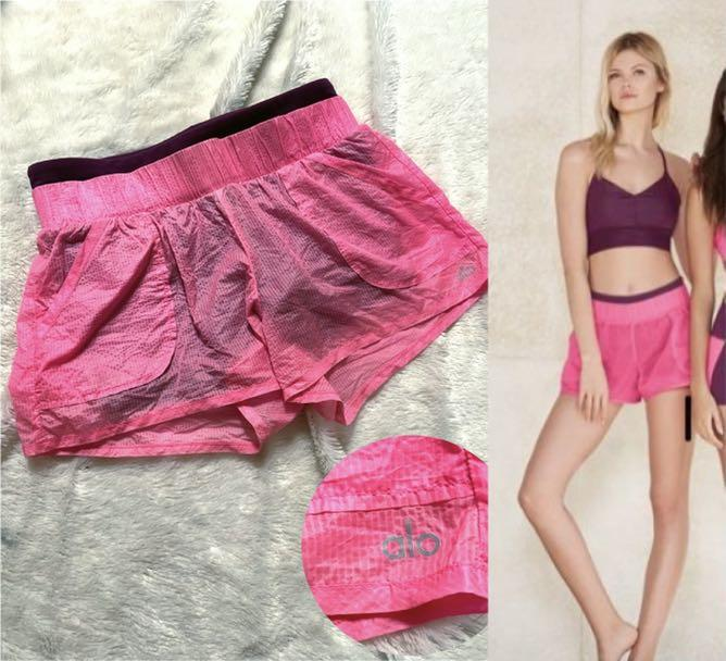 Alo yoga shorts sz XS