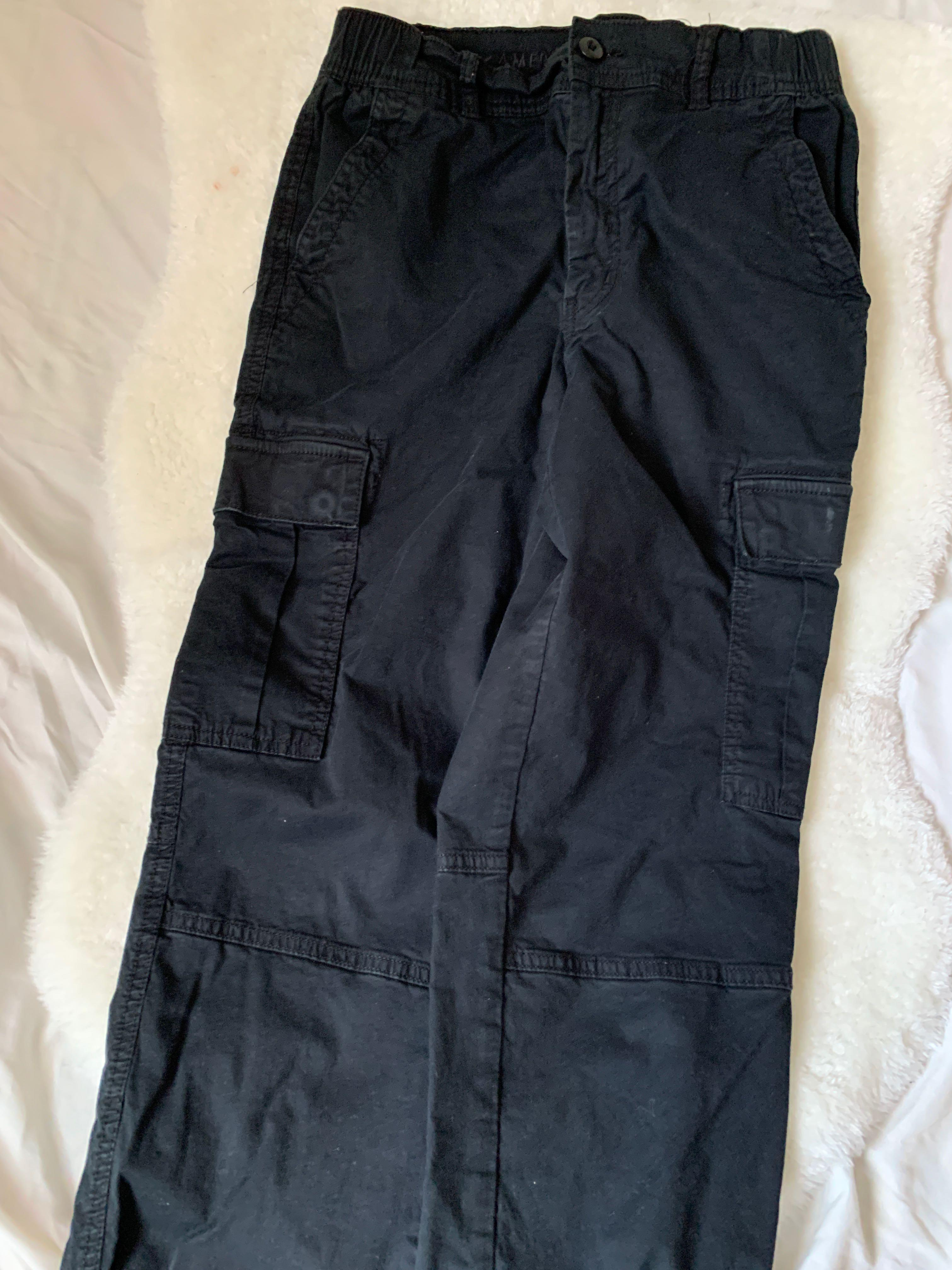 american eagle black joggers size 4, fits a 6 as well stretchy