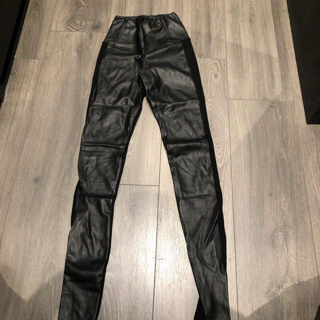 Aritzia Wilfred free Daria leggings high rise vegan leather with cotton fabric on the back BLACK size XSMALL