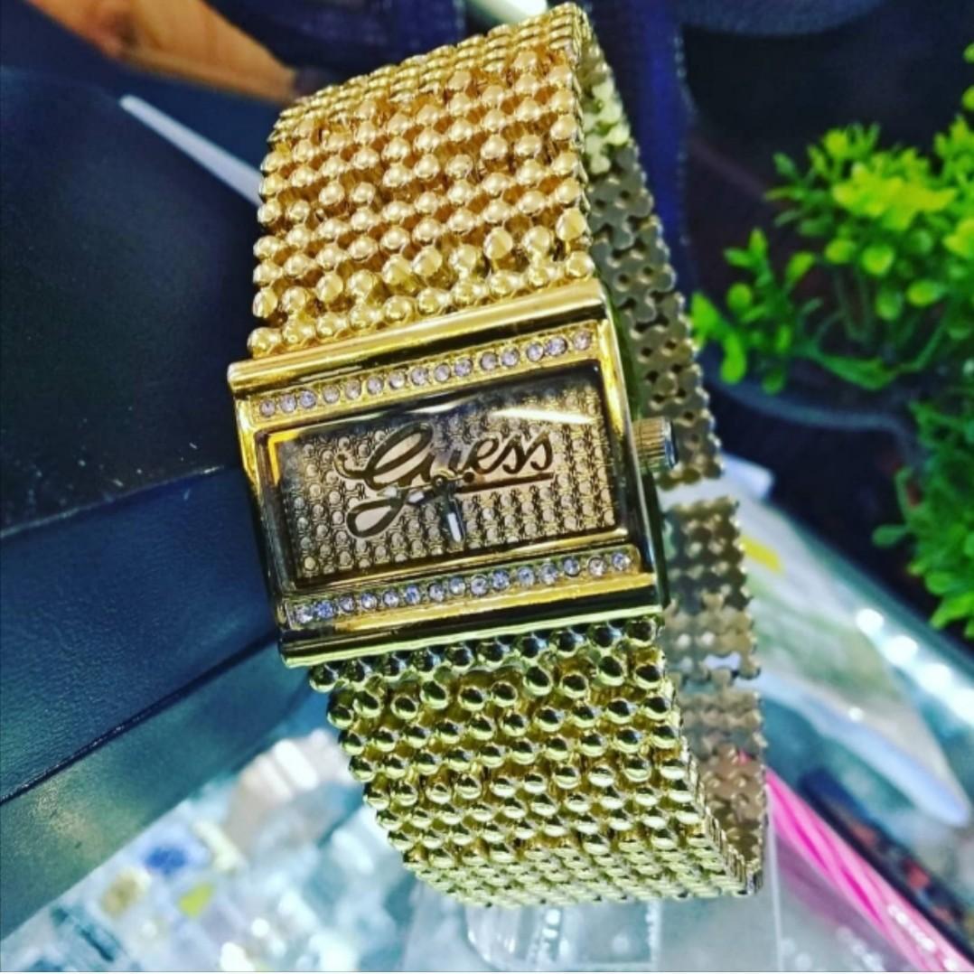 Jam Tangan Guess merica gold