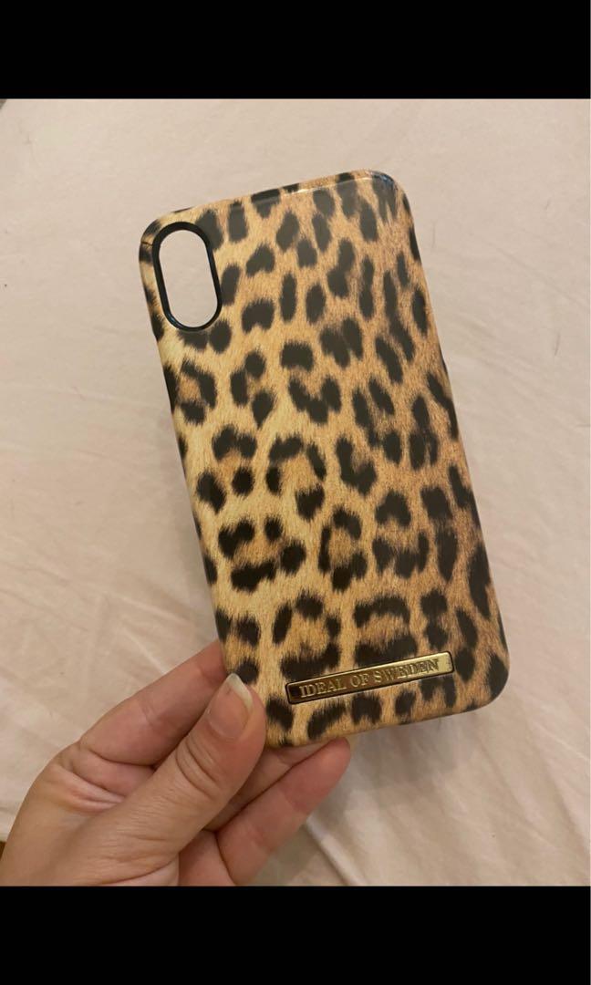 Leopard print iPhone XR phone case