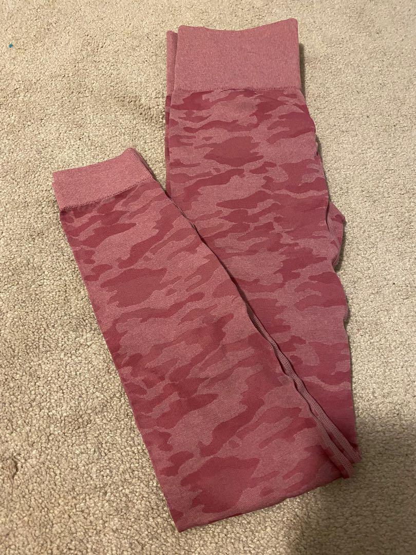 Pink Camo Leggings size M