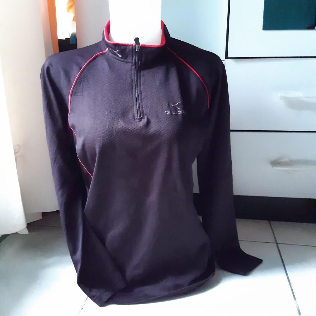 QS1216 DIADORA hitam preloved/thrift