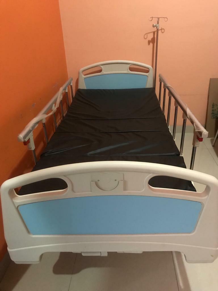 Tempat Tidur Rumah Sakit 2 Tuas