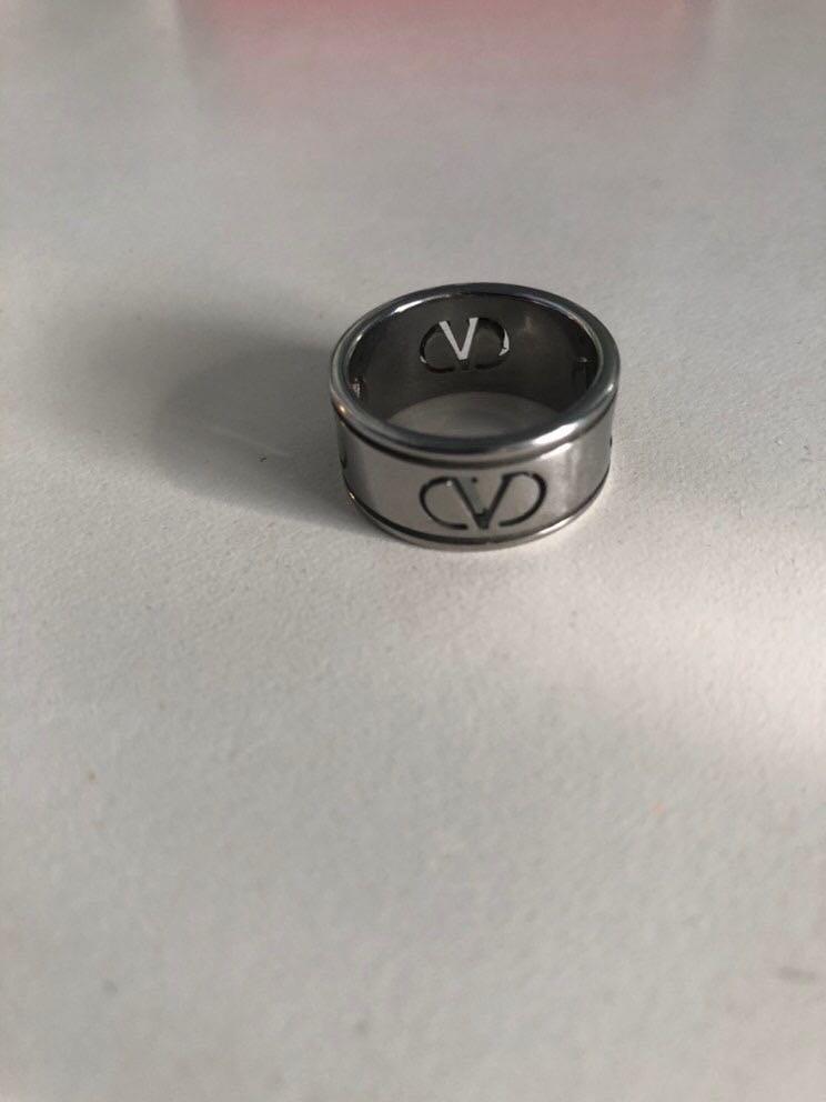 Valentino Ring