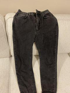 BDG Mom Jeans Size 24