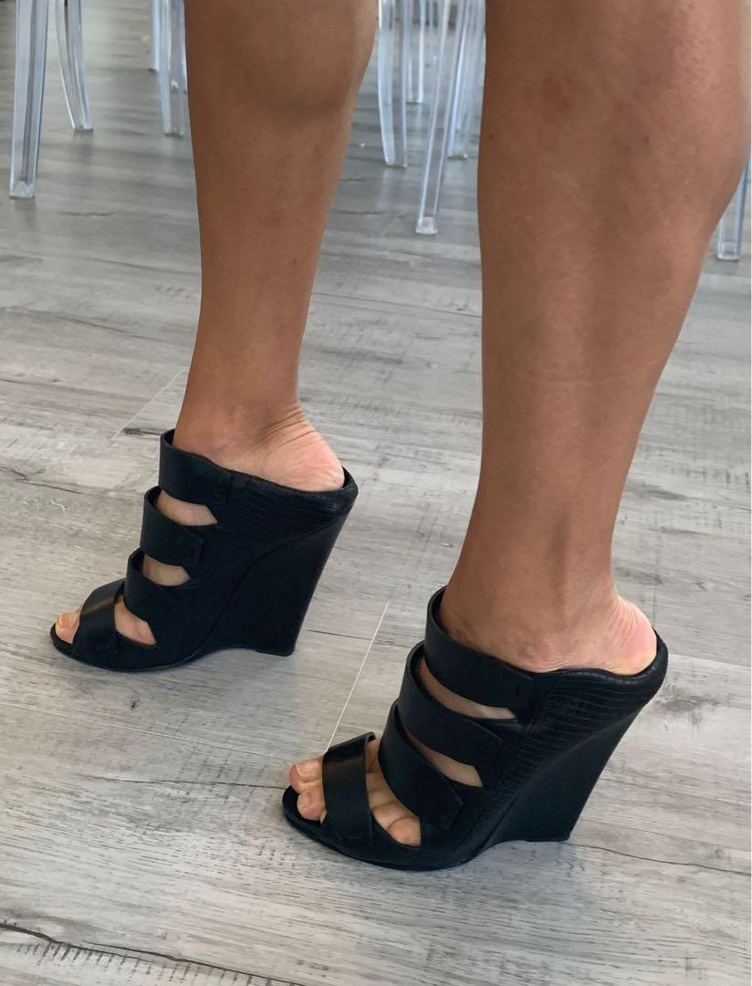 Black platform Narcisco Rodriguez sandals