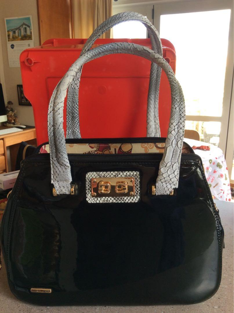 D&G immigration bag