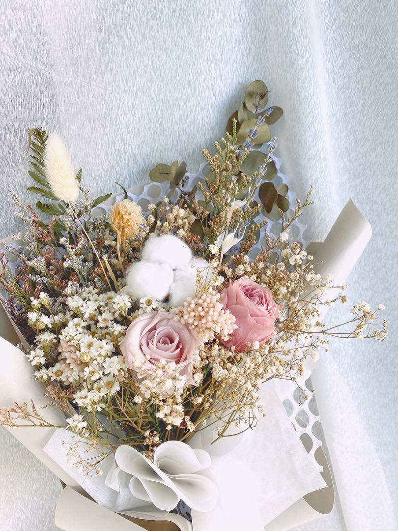 """Preserved Flowers Pink Roses Bouquet Bridal Free Delivery Æ°¸ç""""ŸèŠ± Gardening Flowers Bouquets On Carousell"""