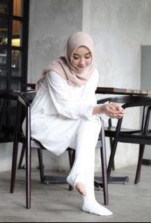 Legging Socks Women S Fashion Carousell Malaysia