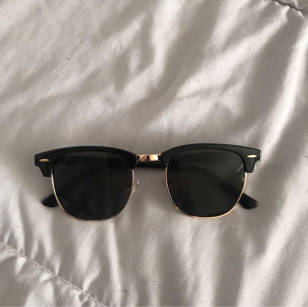Sunglasses with gold detailing