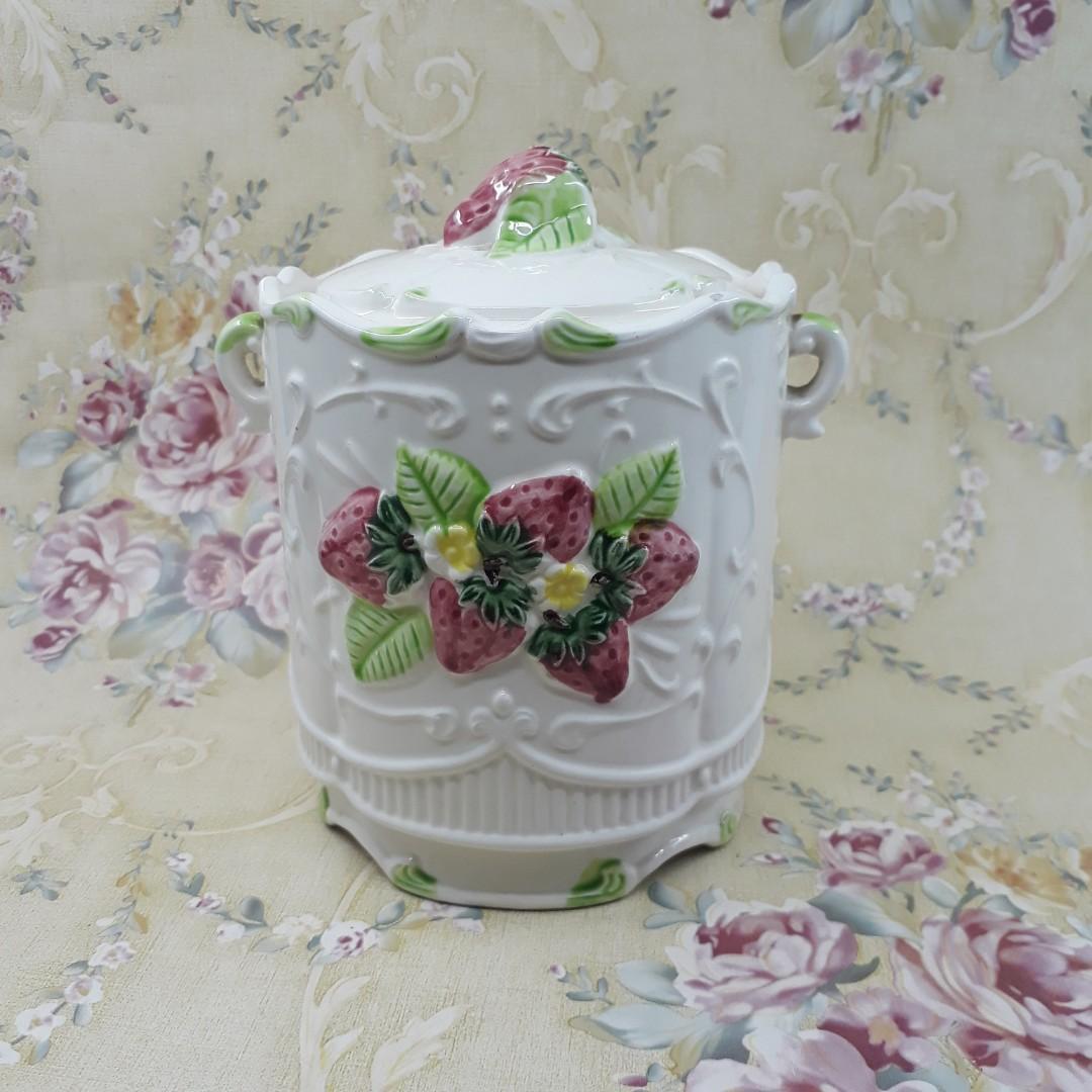 Toples keramik jepang