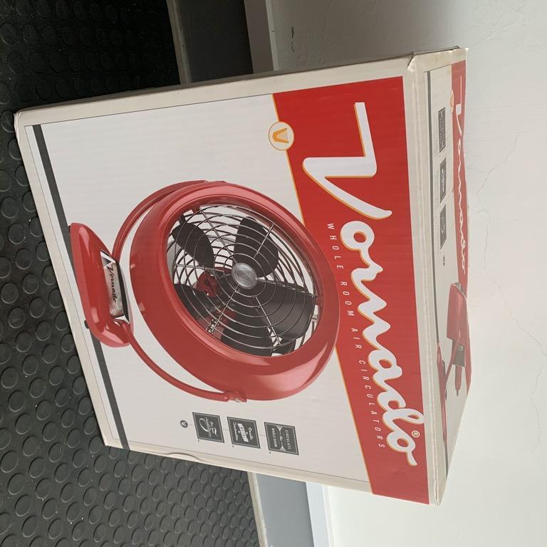 『現貨有保證書九成新福利品再送小電扇』 Vornado VF25火焰紅7.5吋復古循環扇循環機三年保固公司貨