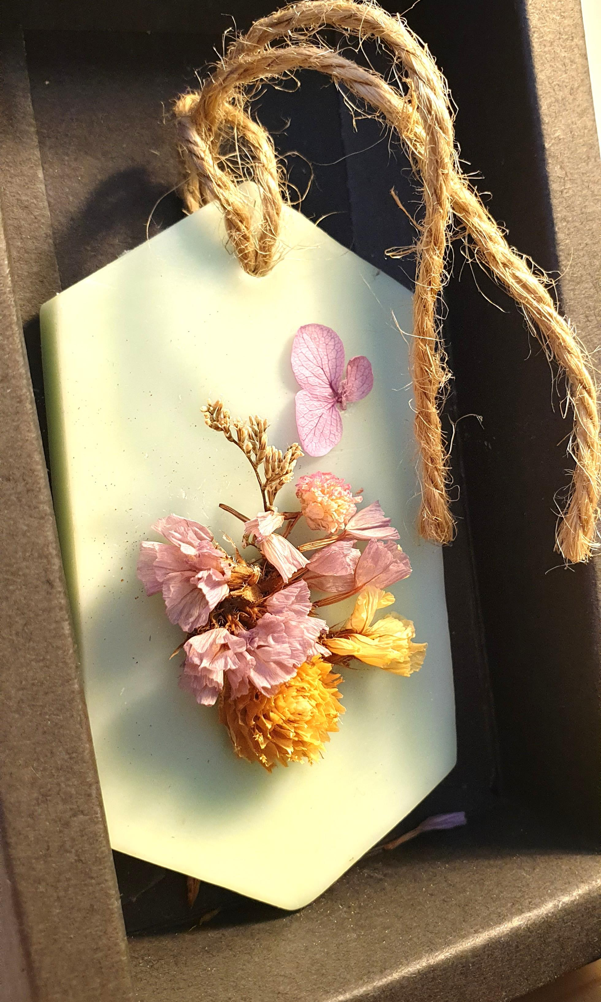 Dried flowers decorations