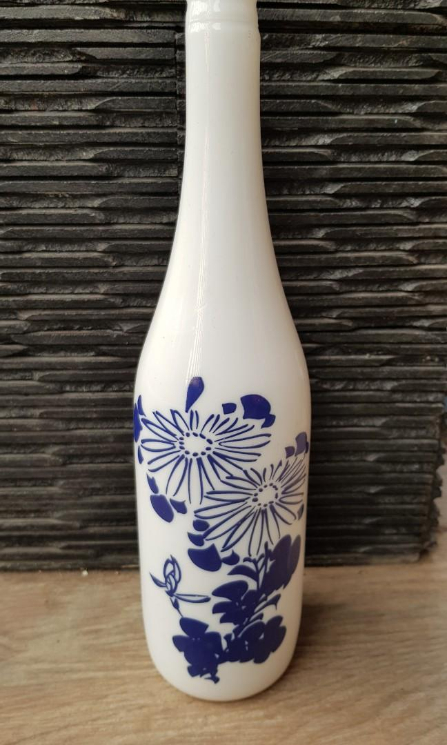 Botol antik kembang