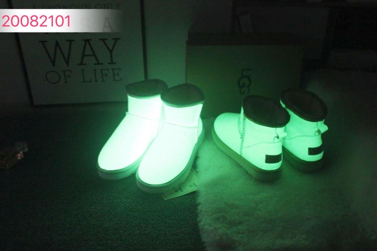 Glow in the dark Ugg's