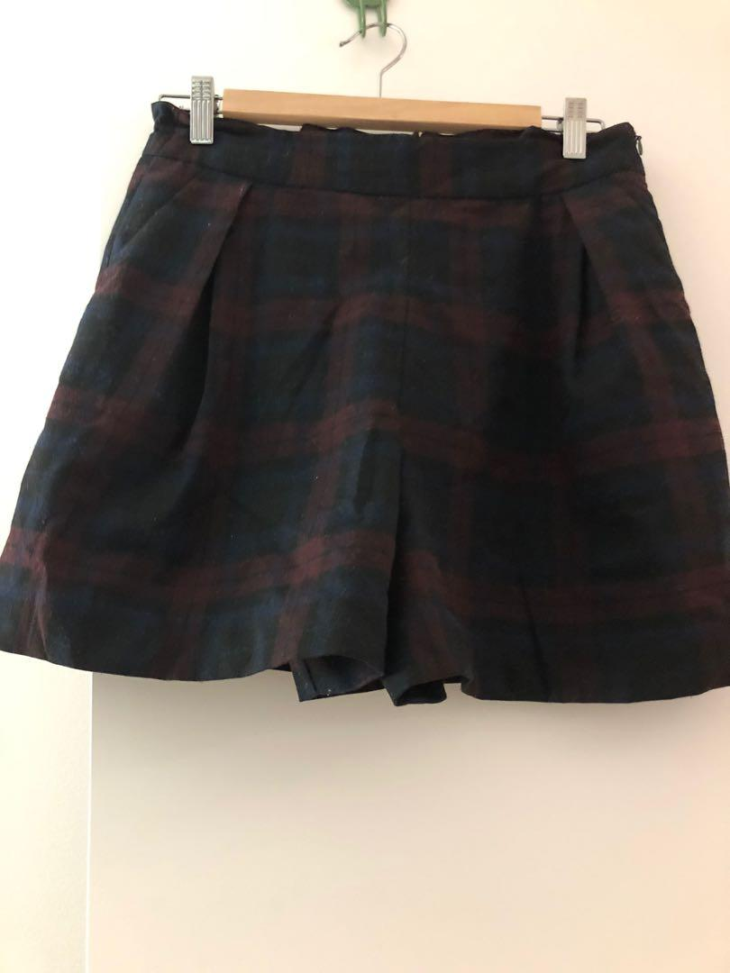 Plaid shorts with pockets