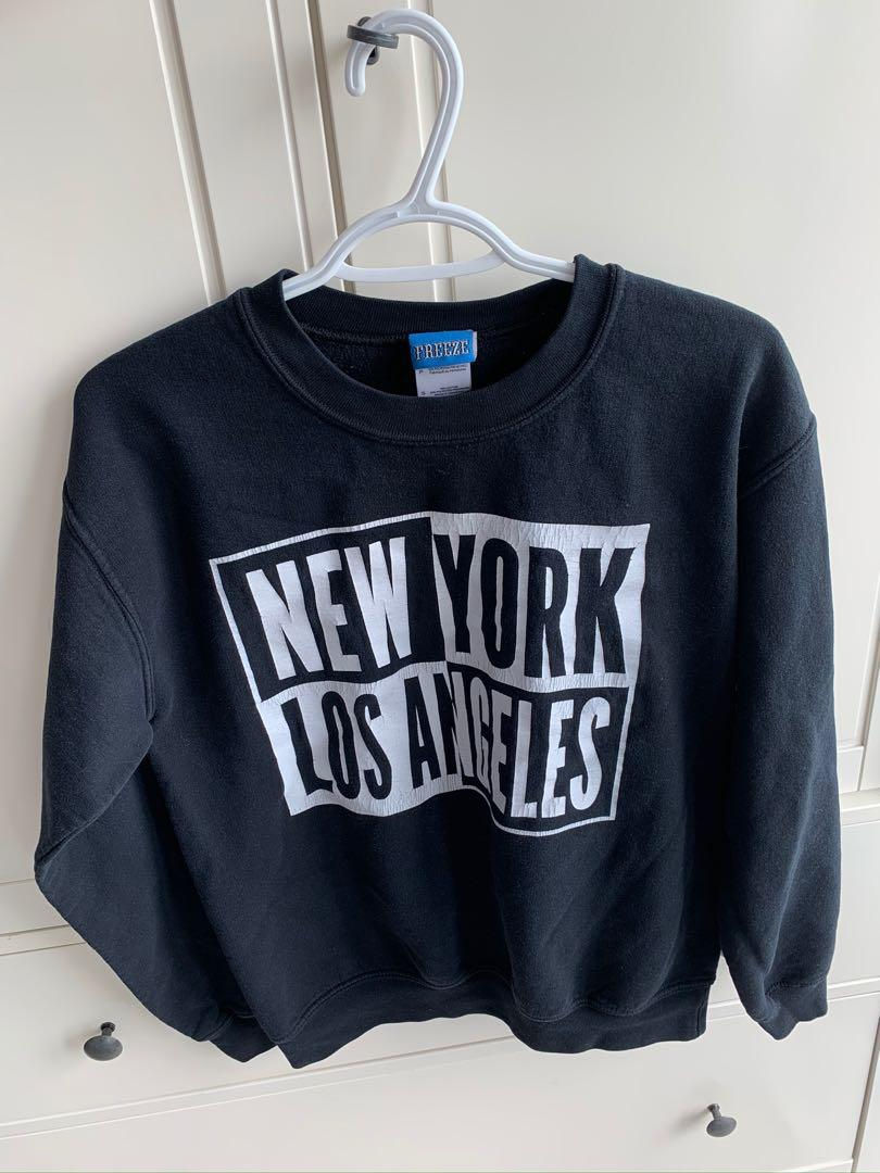 Urban Outfitters Sweater - Size Small