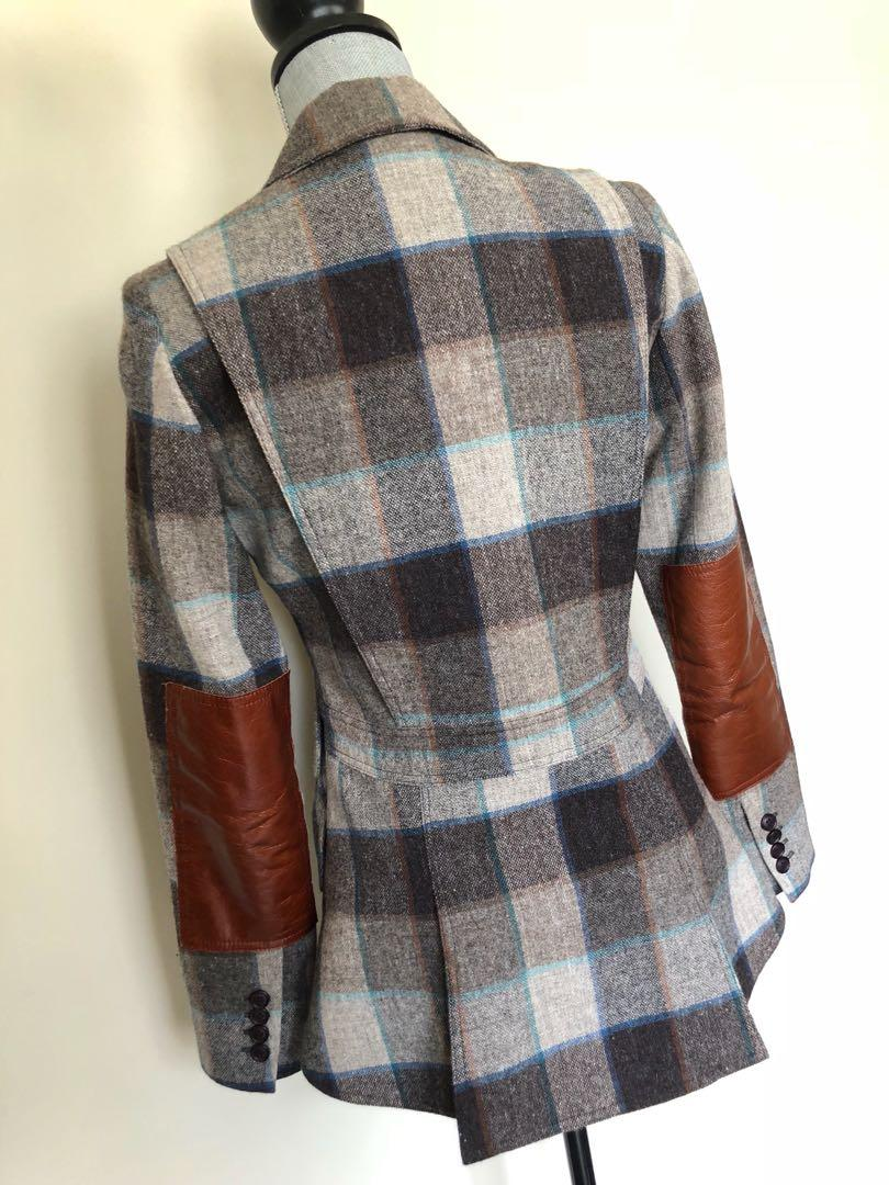 Smythe equestrian Blazer with Leather elbow Patches. Size 6