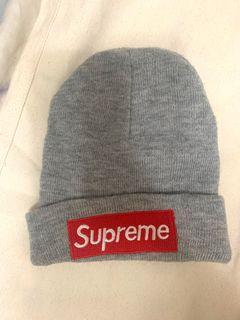 Supreme灰色毛帽