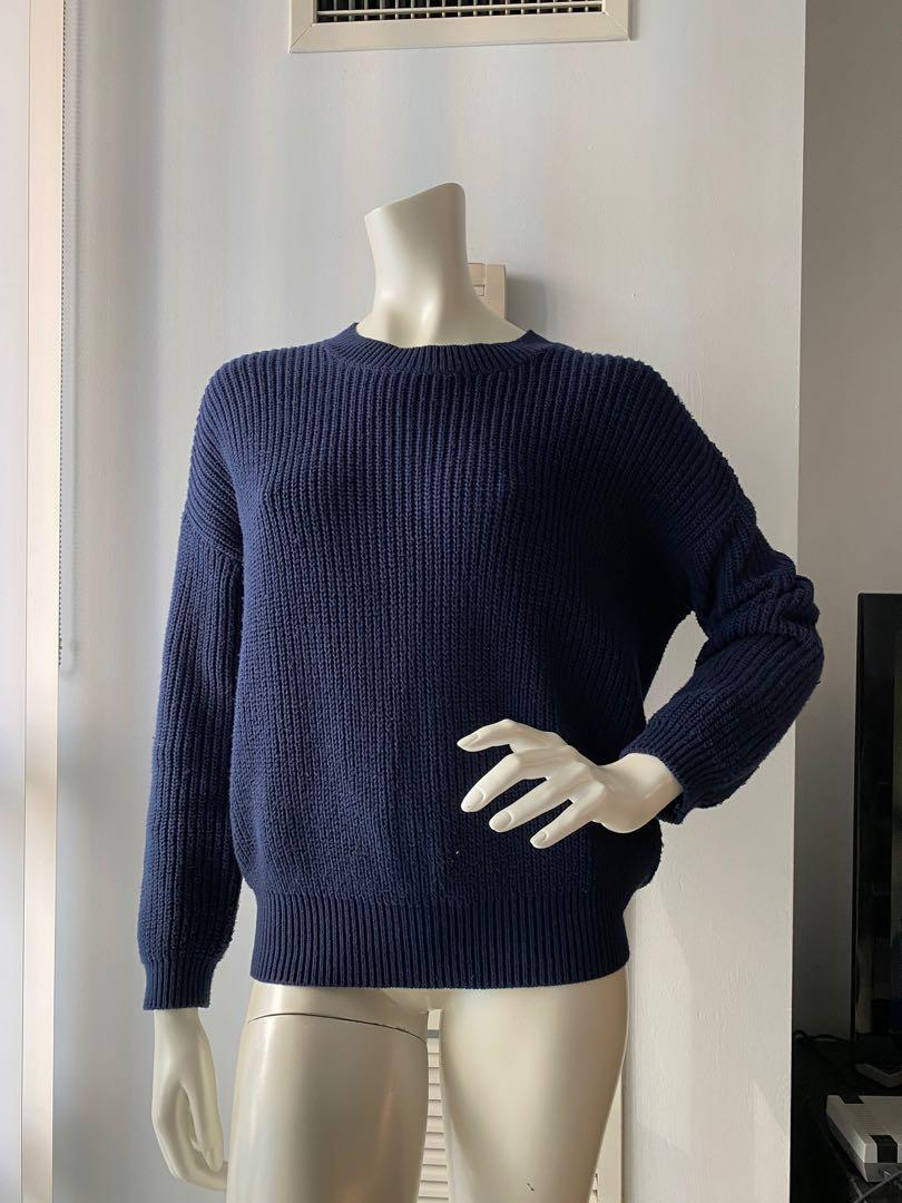 The sweater size S