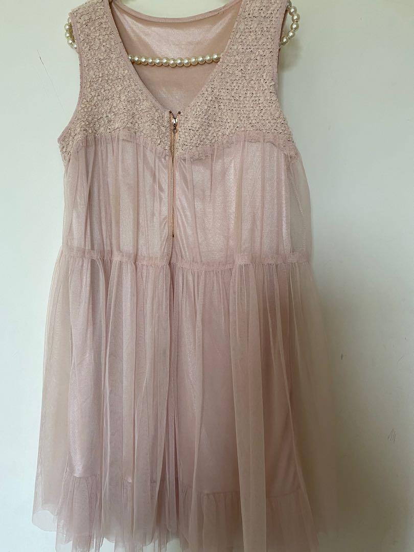粉紅雪紡洋裝