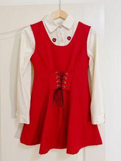 正紅色小馬甲綁帶造型洋裝 夏季可單穿 冬天也可搭配襯衫馬靴(不含裡面嘴唇襯衫)後有實穿照#換季