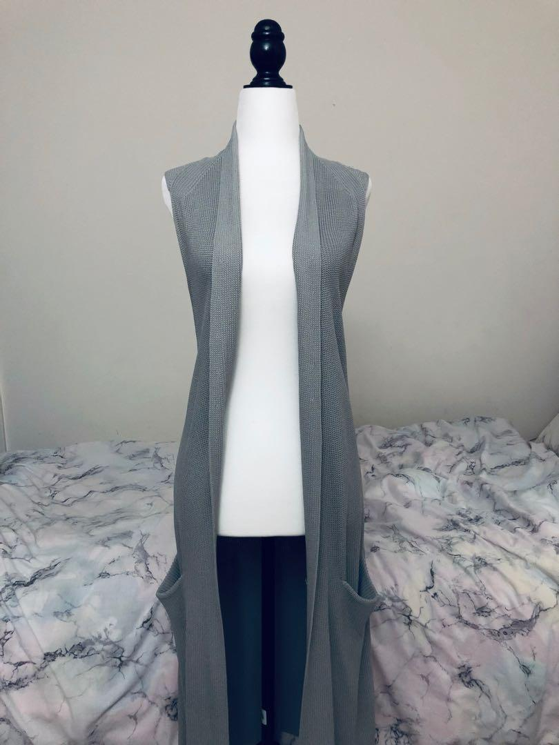 aritzia wilfred knit vest duster size s