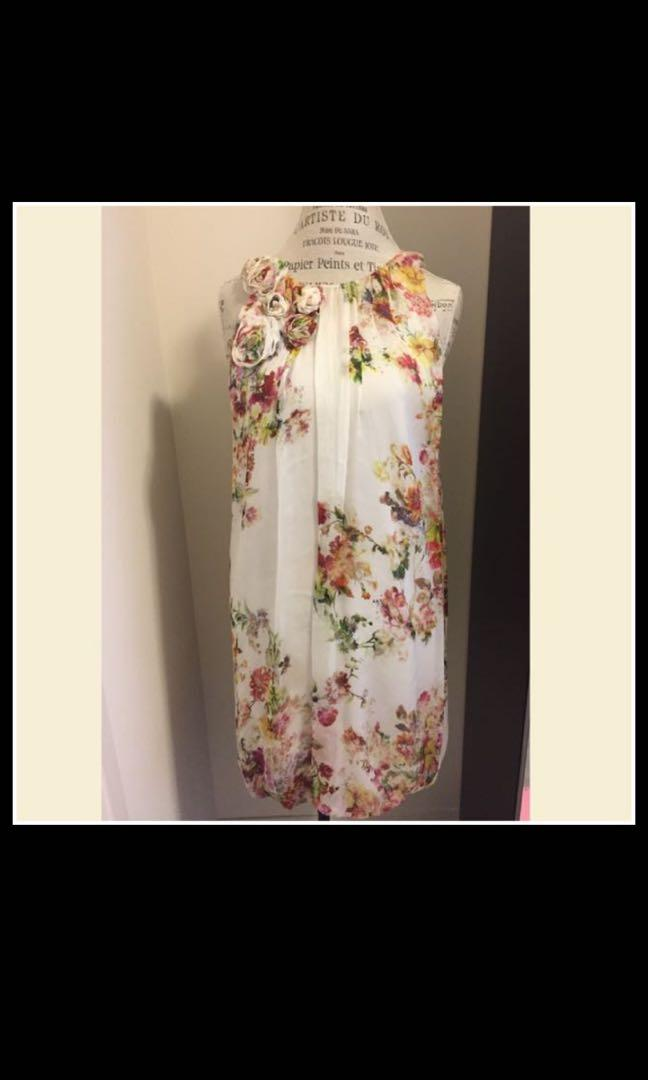 Dress- Zara- size M
