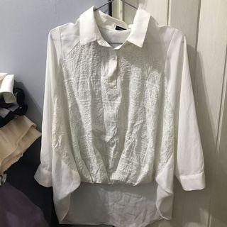 白色雪紡圖騰上衣
