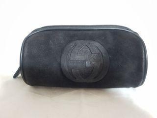 古馳 GUCCI黑色 類麂皮 雙G 化妝包/眼鏡包/筆袋/收納包/萬用包,有明顯使用痕跡#MOON