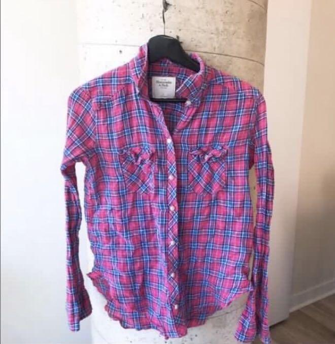 Abercrombie & Fitch Plaid Long Sleeve Burton Up Shirt (Small)