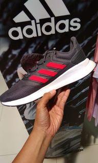 Adidas run valcon