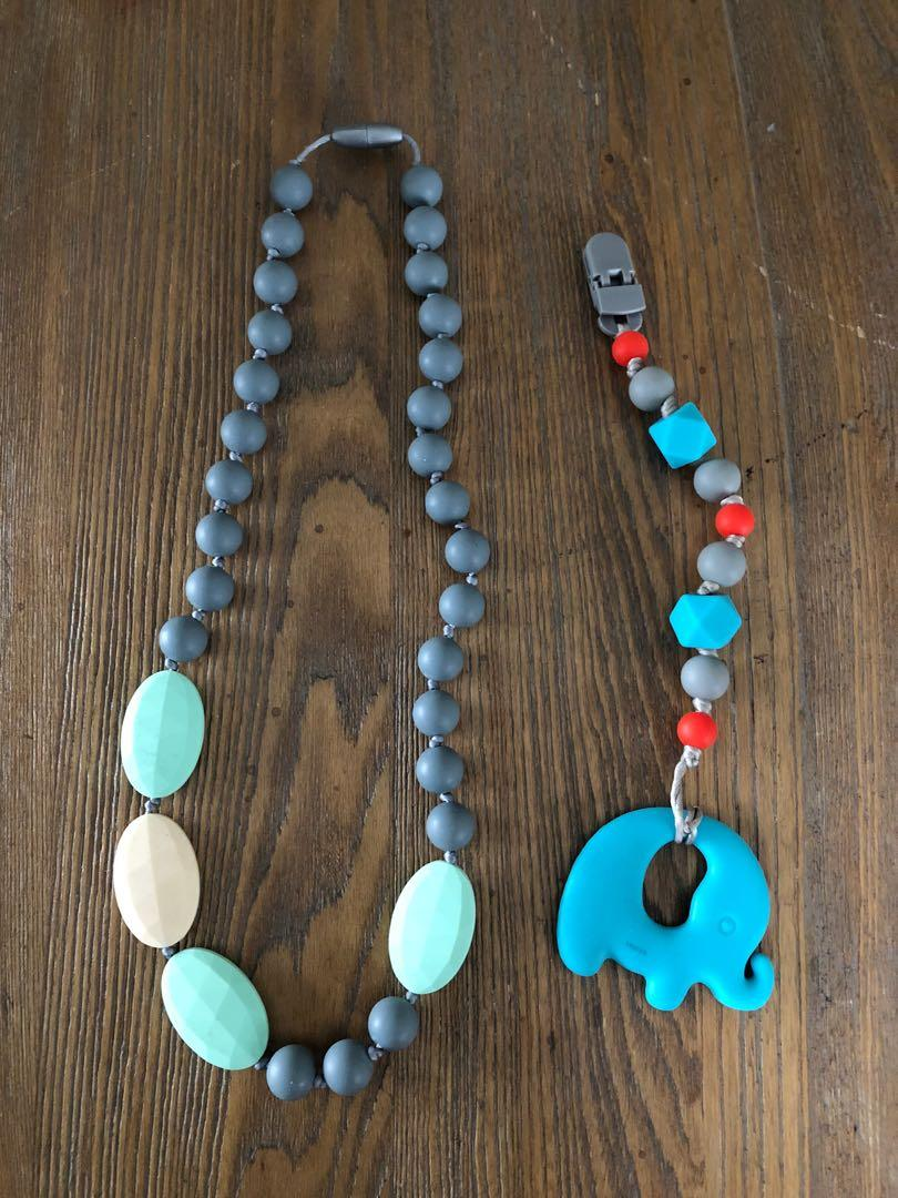 EUC Set of 2 Teething Toys (Necklace and Clip)