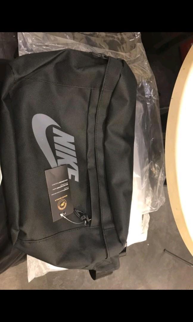 正品NIKE大腰包 附吊牌,現貨黑色