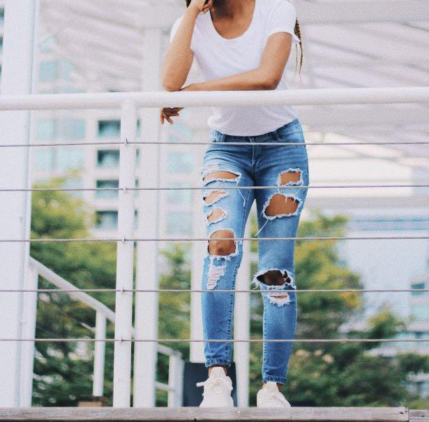 BlueNotes Rip Jeans