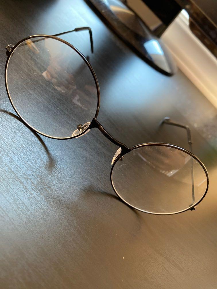 Round glasses!