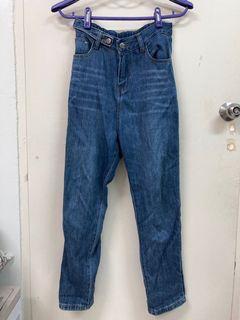 師大商圈購入牛仔褲