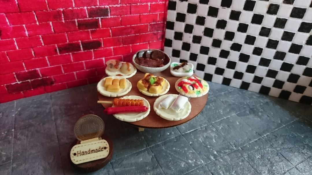 袖珍版 迷你夜市小吃集 蚵仔煎 牛肉麵 潤餅 碗粿 烤玉米 含桌整組
