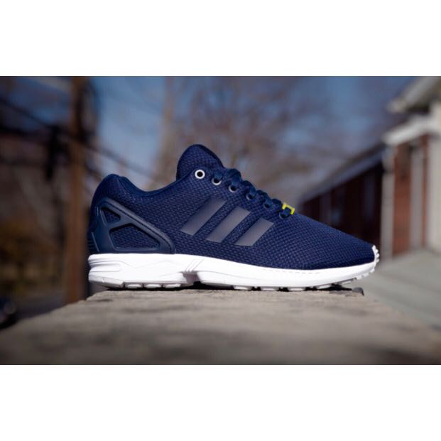 terremoto Rana Microprocesador  Adidas ZX Flux Navy Blue Sneakers Shoes Trainers, Women's Fashion, Shoes,  Sneakers on Carousell