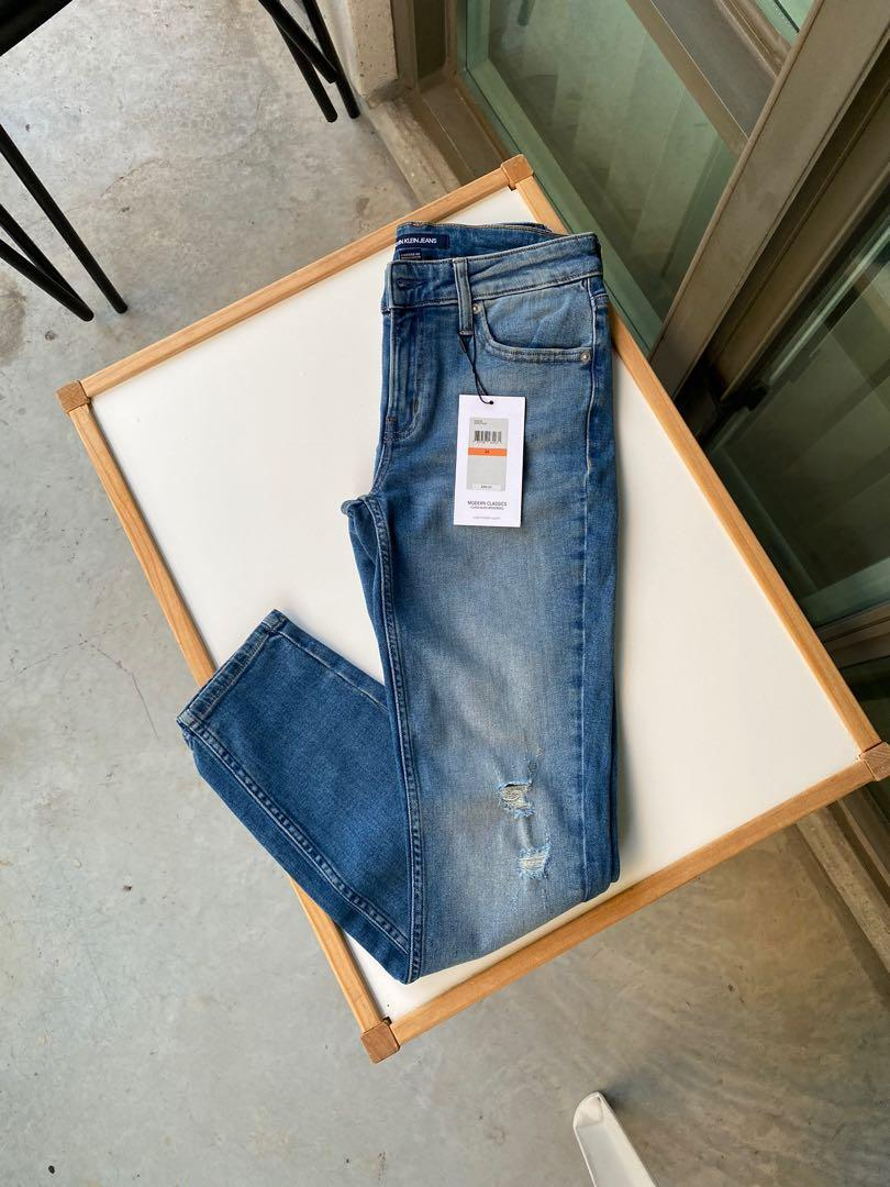 Calvin Klein skinny jeans size 26.