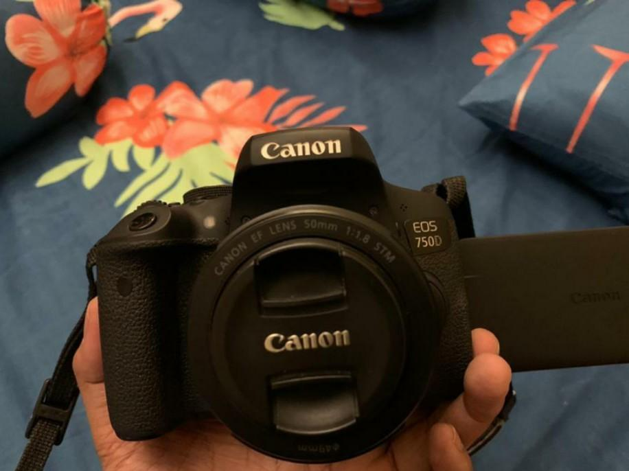 Jual Canon eos 750d,mulus like new, nego