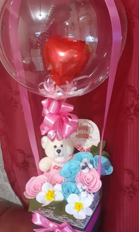 Kado balon plus bunga