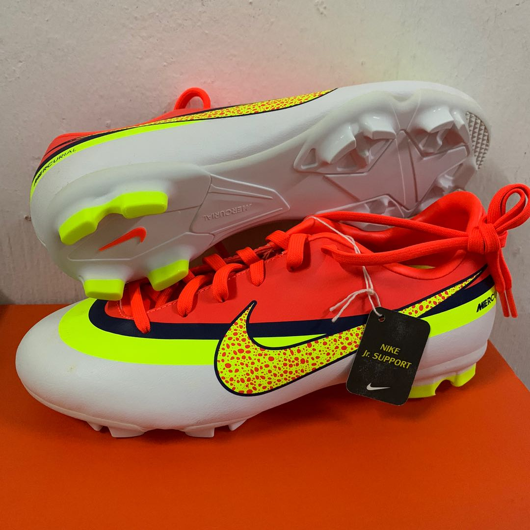 Nike kids Football boots Soccer boot