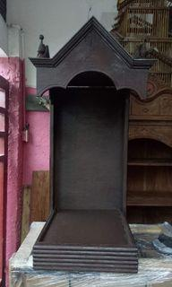 Old wall mount urna