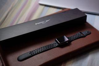 Apple Watch 42mm Nike Edition (Series 3)