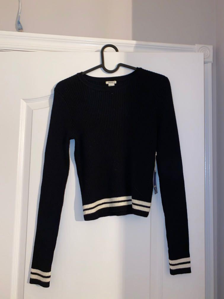 BNWT fitted knit sweater