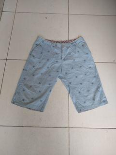 Celana pendek fashion